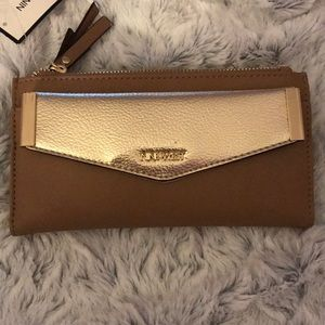 NWT Nine West wallet